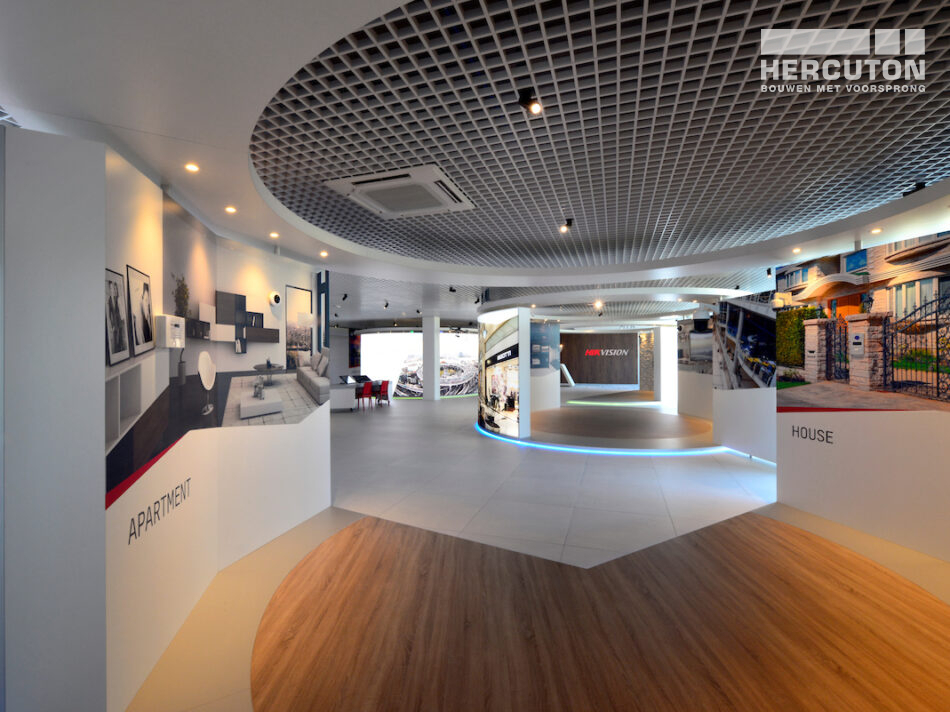 Nieuwbouw Europese hoofdkantoor met bedrijfsruimte Hikvision door Hercuton
