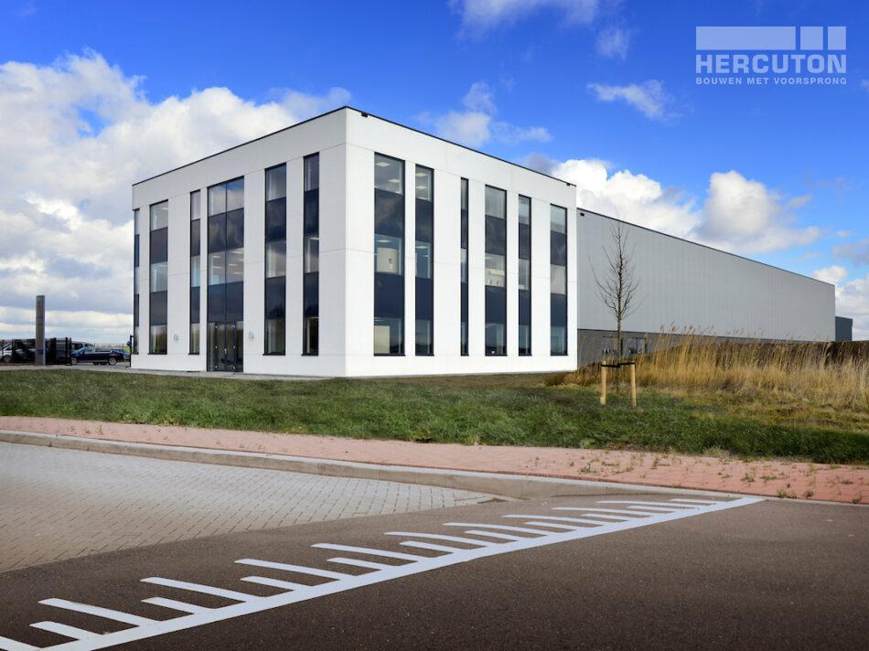 Nieuwbouw bedrijfspand Numafa Heinenoord - vooraanzicht