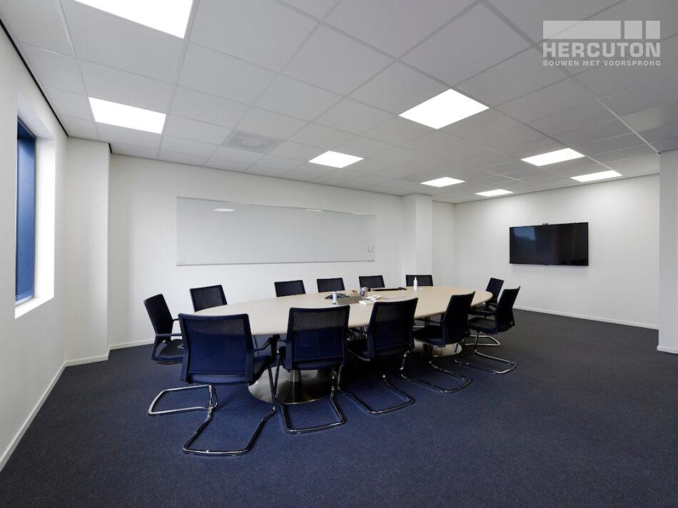 Nieuwbouw bedrijfspand Numafa Heinenoord - vergaderruimte
