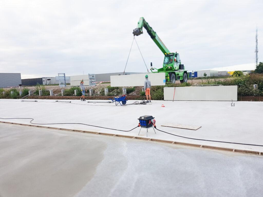 Laadkuilen in aanbouw bij DC Miles in Zaltbommel