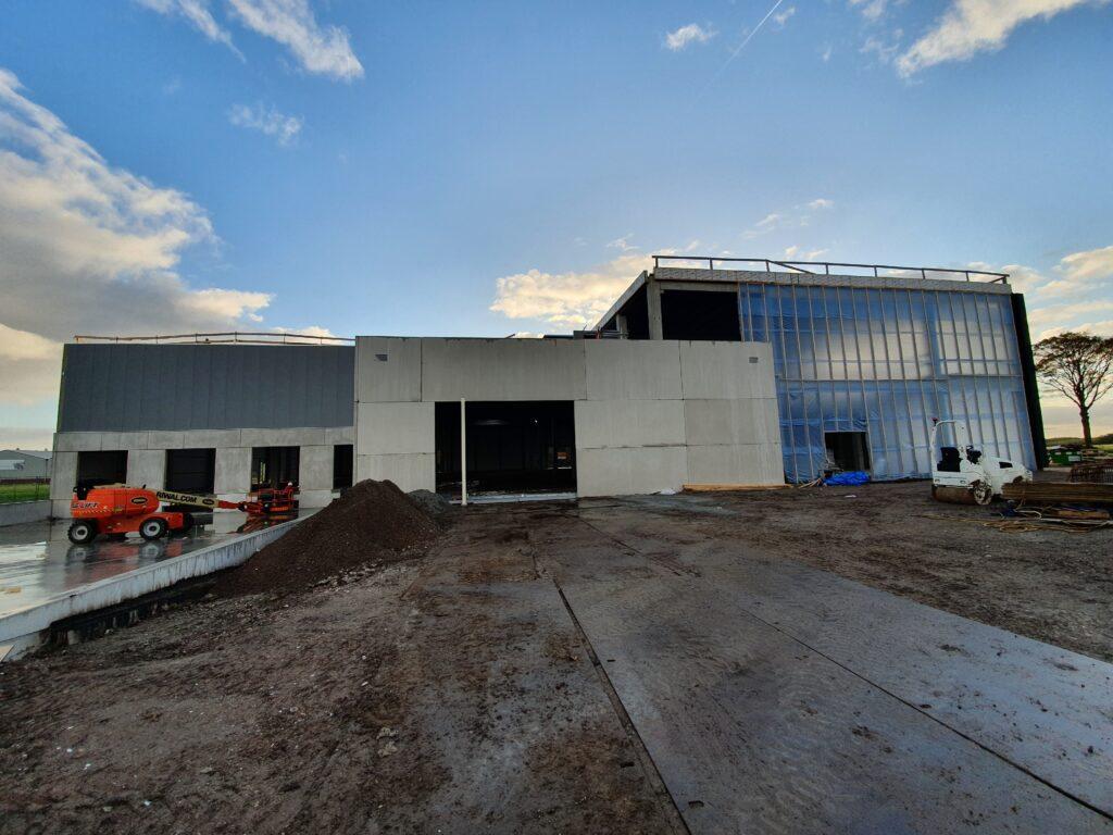 Bedrijfsruimte met kantoor VDH Solar Hazerswoude-Dorp
