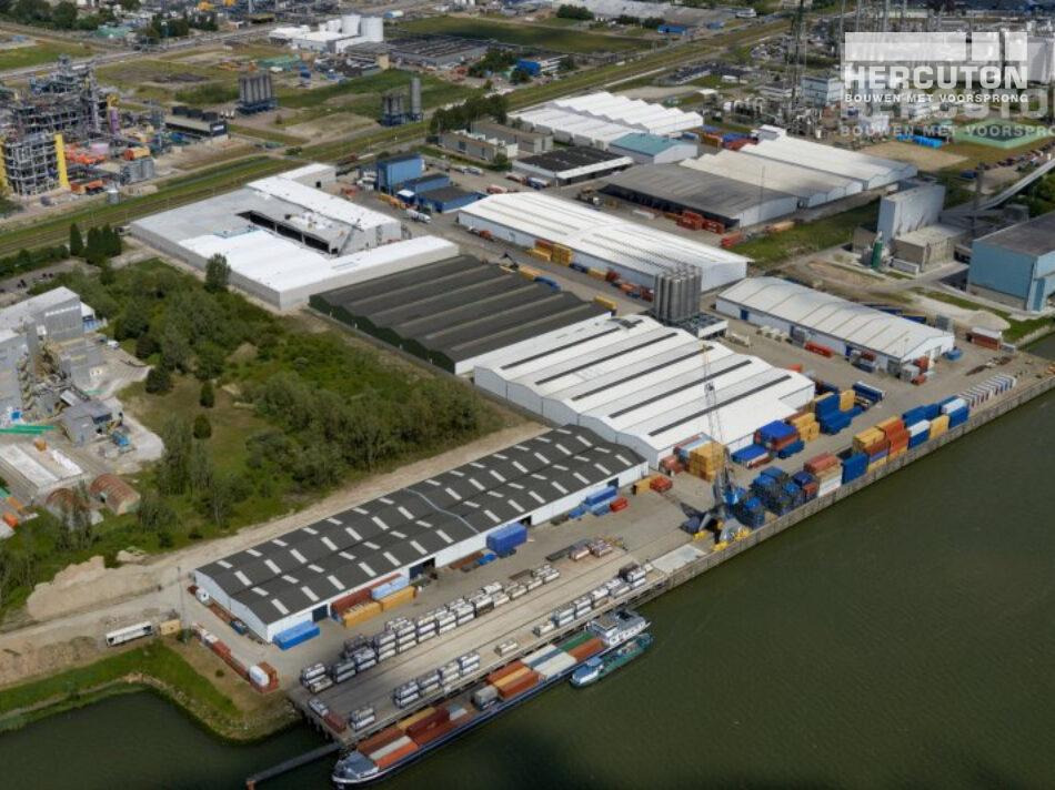 Opslagruimte gebouwd voor gevaarlijke stoffen in Rotterdam door Hercuton b.v. uit Nieuwkuijk