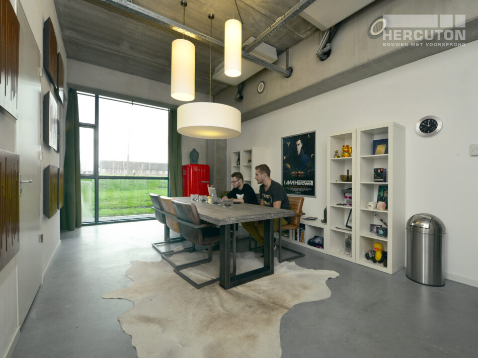 BREDA - Interieur AV-huis.