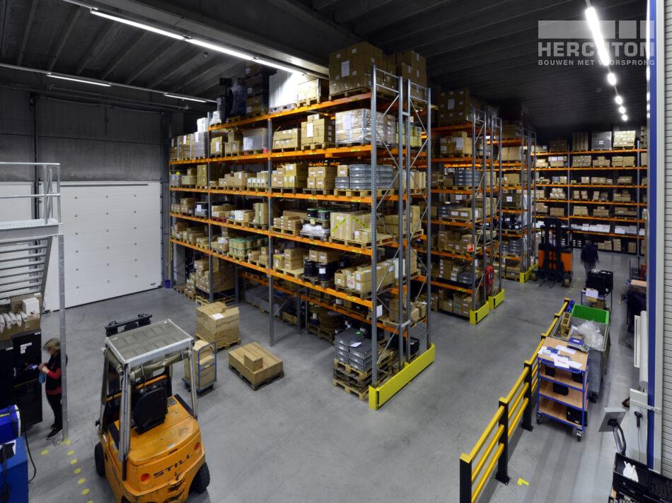 Hal binnenzijde bedrijfspand nieuwbouw