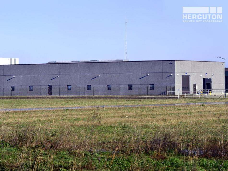 Nieuwbouw bedrijfsruimte met kantoor Berco door Hercuton