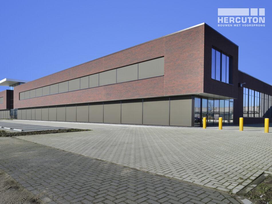 Nieuwbouw bedrijfshal met kantoor Berco door Hercuton