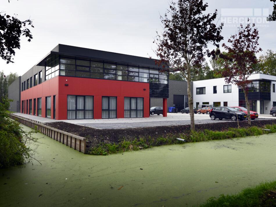 Bouwproject combinatie van vier bedrijfsruimtes
