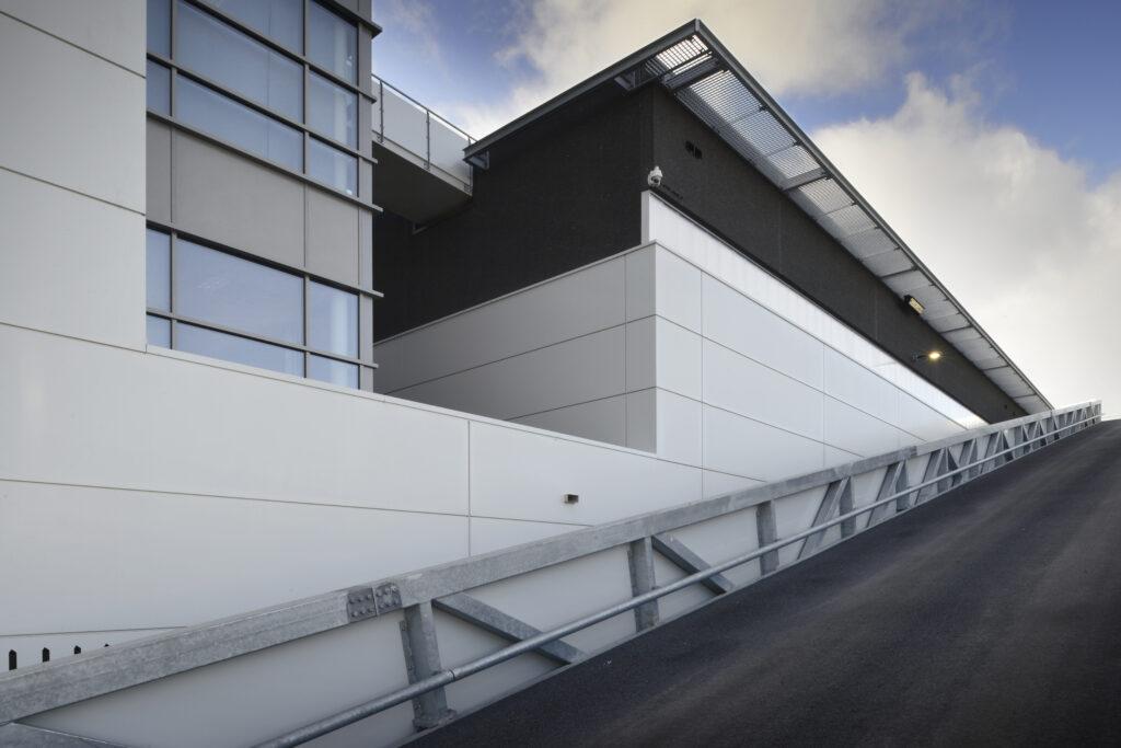Bedrijfsruimte Cargotec in Rotterdam nieuwbouw door Hercuton b.v. uit Nieuwkuijk