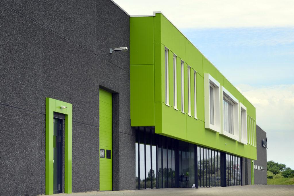 Nieuwbouw bedrijfshal met kantoor Celieplant / Bouquetnet