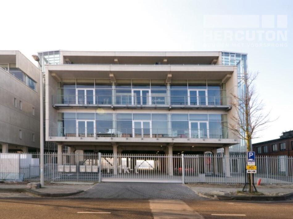 Nieuwbouw vier kantoorruimtes Cruquiuskwartier uitgevoerd in loft architectuur - vooraanzicht