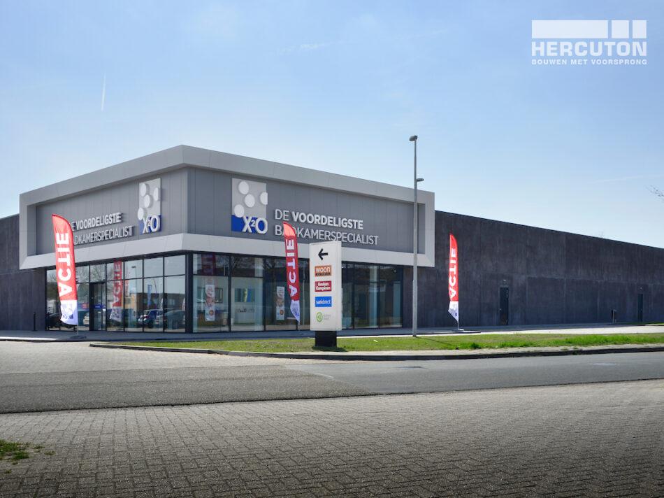 Nieuwbouw badkamerwinkel X2O in Duiven door Hercuton