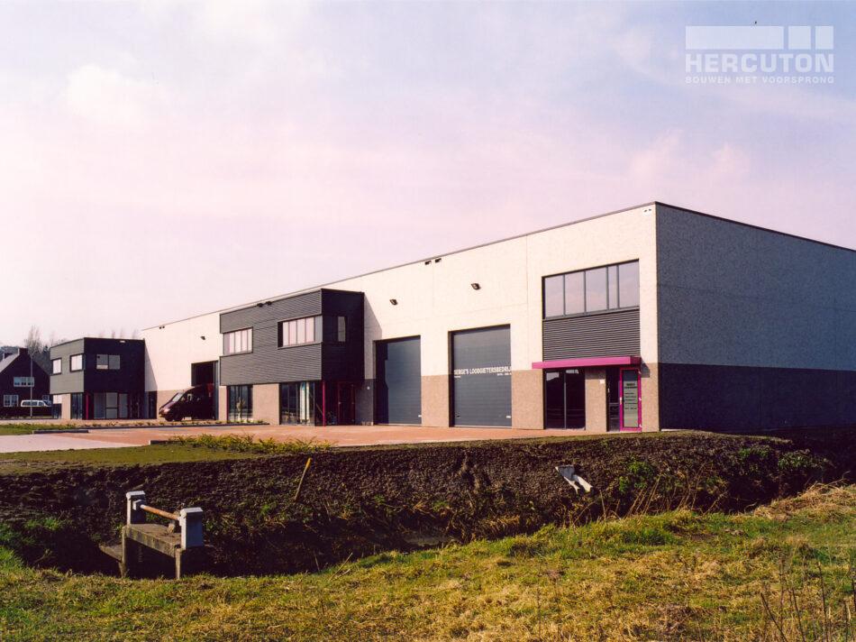 Bedrijfsverzamelgebouw Dekkersloop is in Nieuwkuijk door Hercuton gerealiseerd.