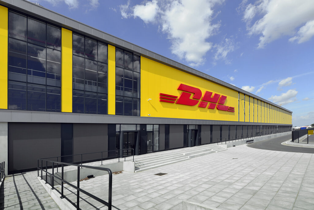 ZALTBOMMEL - DHL all-electric sorteercentrum