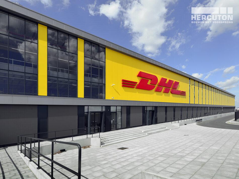ZALTBOMMEL - DHL all-electric sorteercentrum