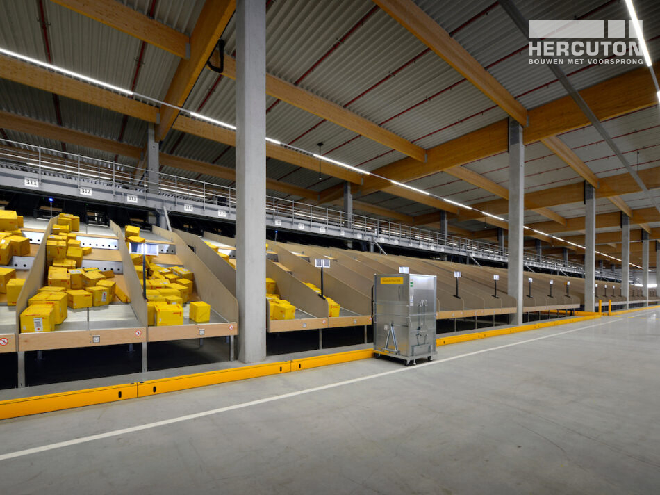 DHL parcel hub in Zaltbommel grootste e-commerce sorteercentrum van Nederland