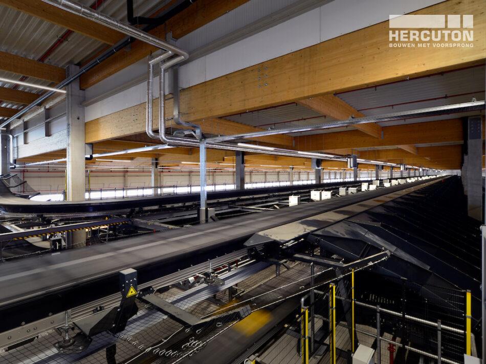 Hercuton bouw grootste e-commerce sorteercentrum van Nederland voor DHL in Zaltbommel all electric