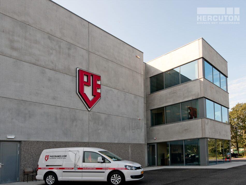 Hercuton heeft middels een design & build opdracht de bedrijfsruimte van Dieseko gerealiseerd. In het pand zijn kraanbanen voorzien. - kantoor