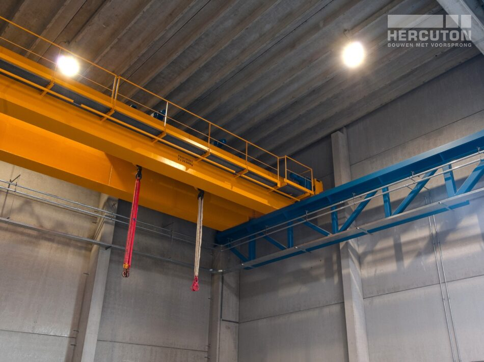 Hercuton heeft middels een design & build opdracht de bedrijfsruimte van Dieseko gerealiseerd. In het pand zijn kraanbanen voorzien. - kraanbanen