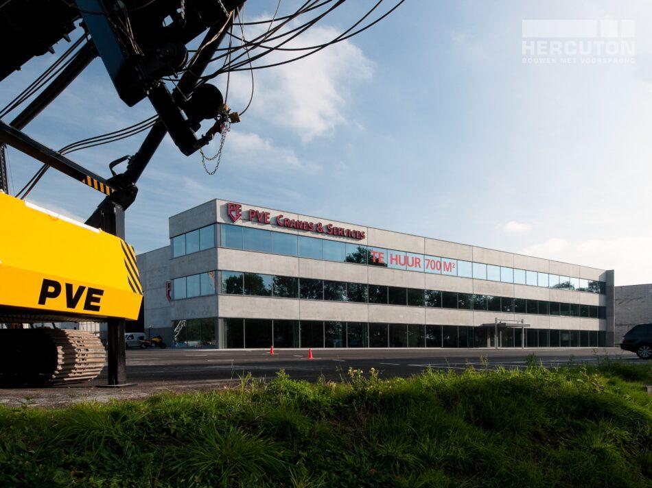 Hercuton heeft middels een design & build opdracht de bedrijfsruimte van Dieseko gerealiseerd. In het pand zijn kraanbanen voorzien. - totaalbeeld