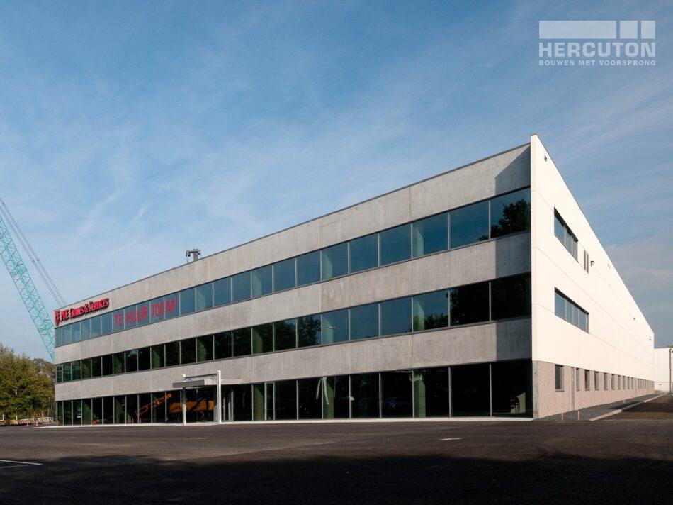 Hercuton heeft middels een design & build opdracht de bedrijfsruimte van Dieseko gerealiseerd. In het pand zijn kraanbanen voorzien. - voorgevel