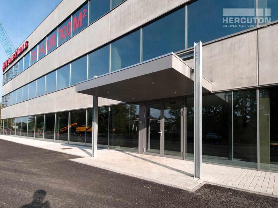 Hercuton heeft middels een design & build opdracht de bedrijfsruimte van Dieseko gerealiseerd. In het pand zijn kraanbanen voorzien. - entree