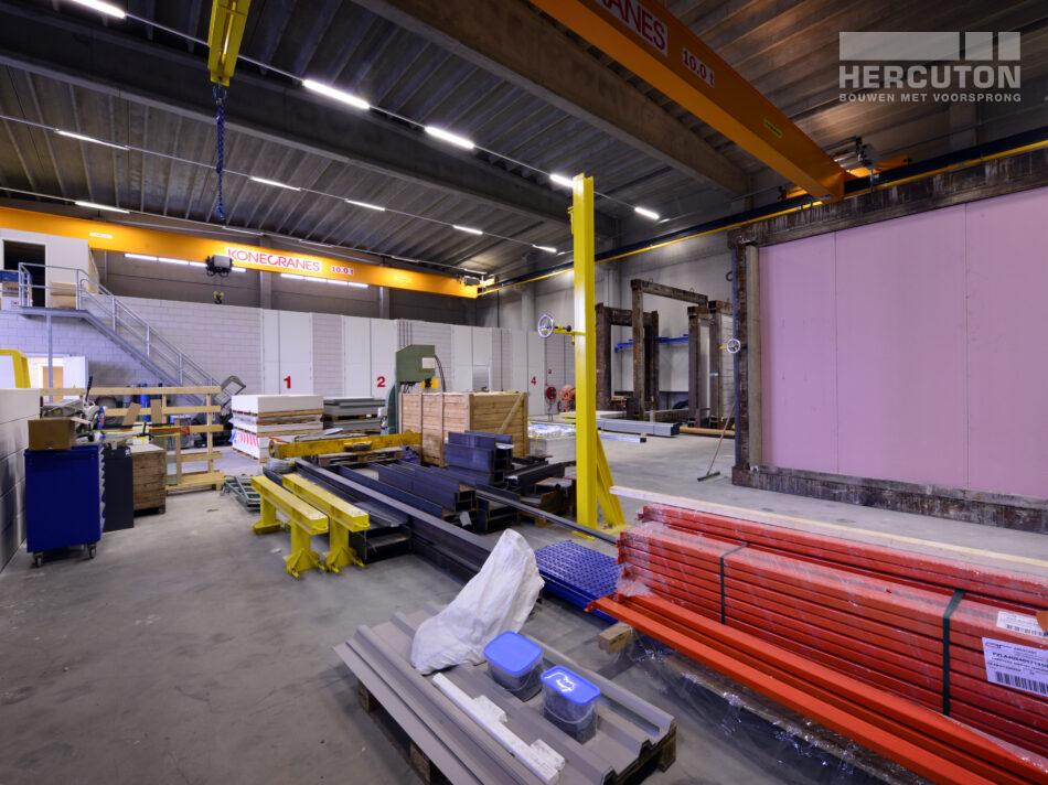 Nieuwbouw bedrijfspand met kantoor en laboratoria Efectis door Hercuton b.v.
