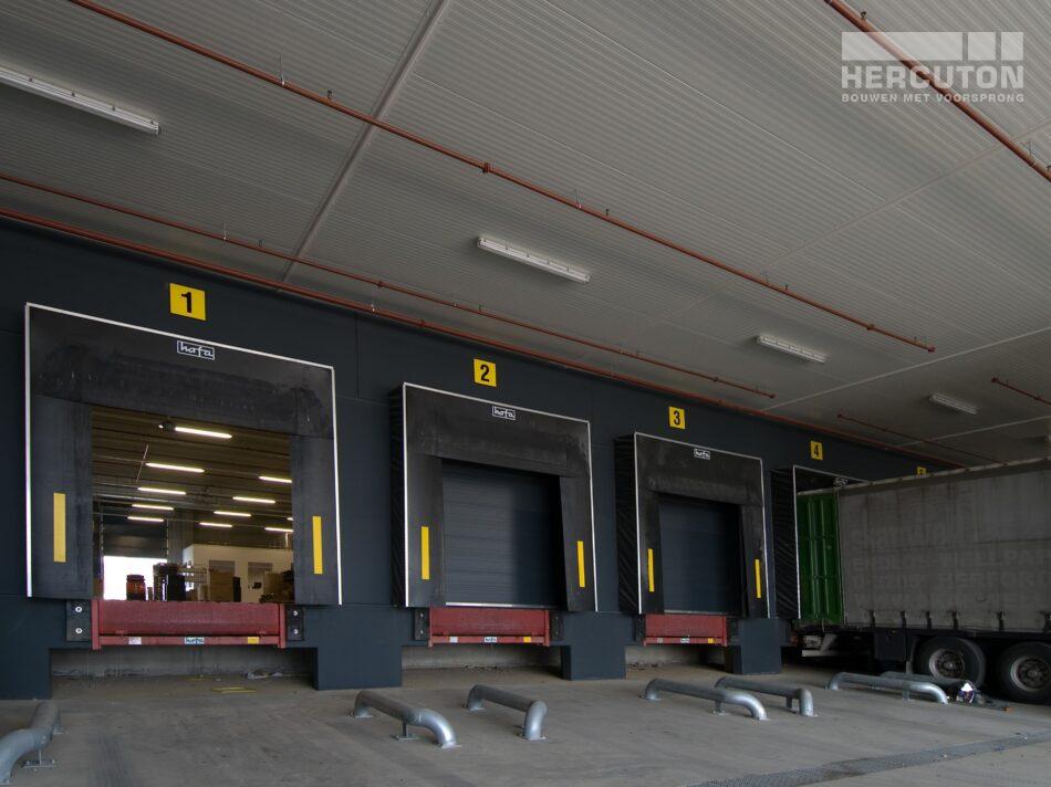 Het magazijn van EGLO in Oosterhout heeft een oppervlakte van 6.000 m2.