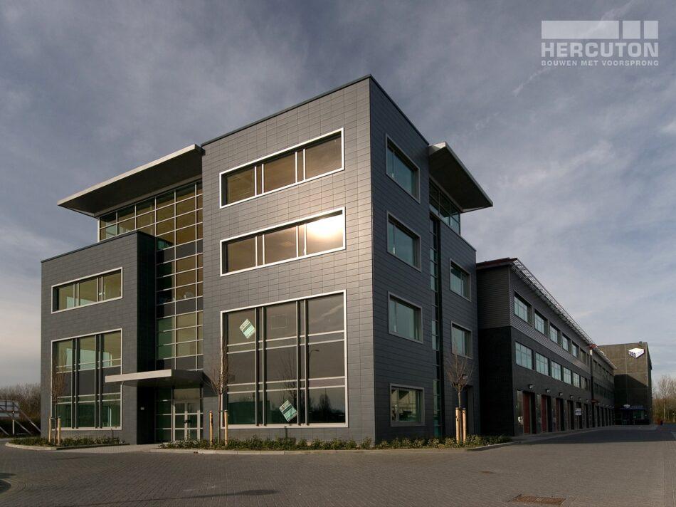 In Noordwijk staat bedrijfsverzamelgebouw Eurobox. Deze bevat naast verschillende kantoorunits ook opslagruimte en een fitnesscentrum.