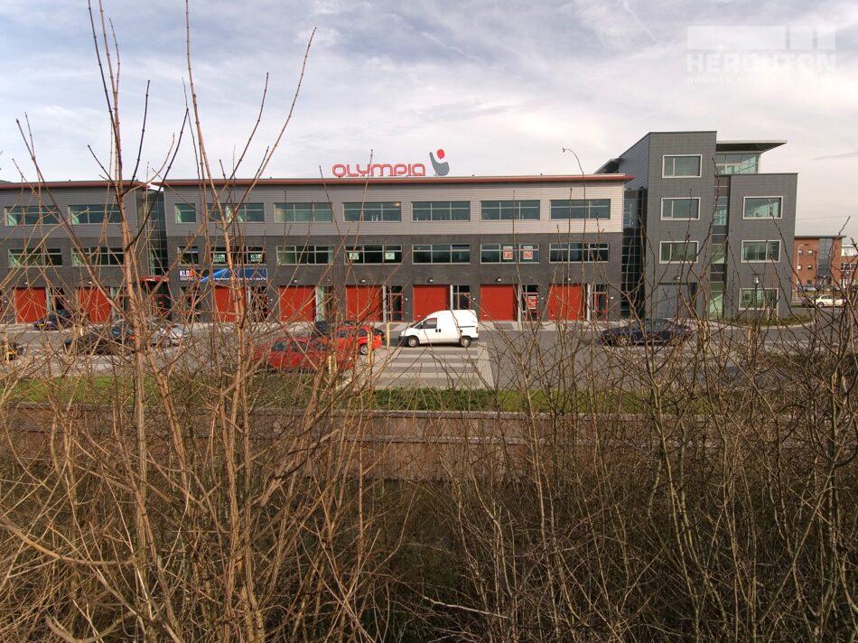 Hercuton heeft in Noordwijk bedrijfsverzamelgebouw Eurobox gerealiseerd.