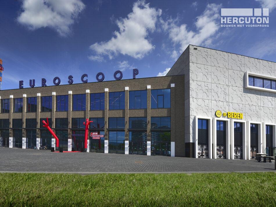 Nieuwbouw Euroscoop Cinema- & Leisurecomplex Amsterdam-Noord in aanbouw