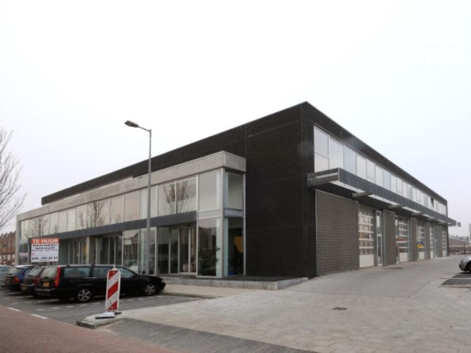 Hercuton heeft in Amsterdam-Noord bedrijfsverzamelgebouw Gedempd Hamerkanaal gerealiseerd - voorgevel.