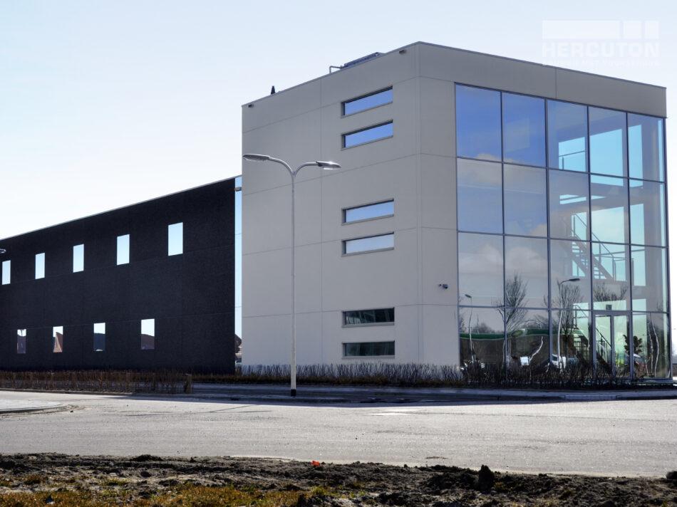 Bedrijfsruimte met kantoor Glashandel Emmery in Barendrecht