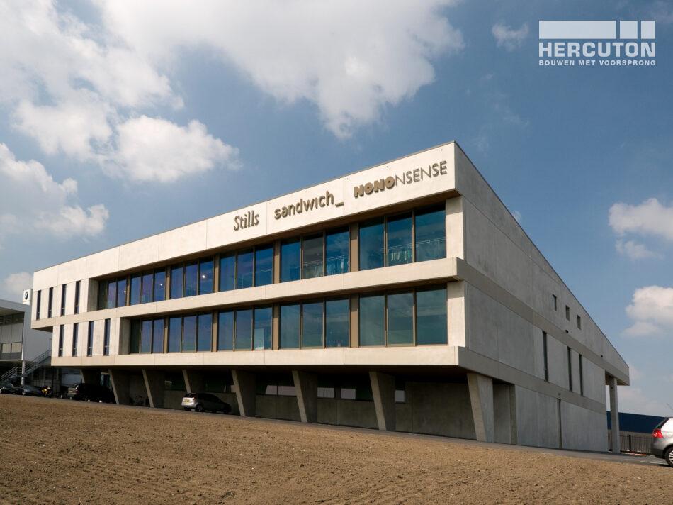 4.293 m2 aan kantoorpand. Daarin is Hercuton gespecialiseerd.