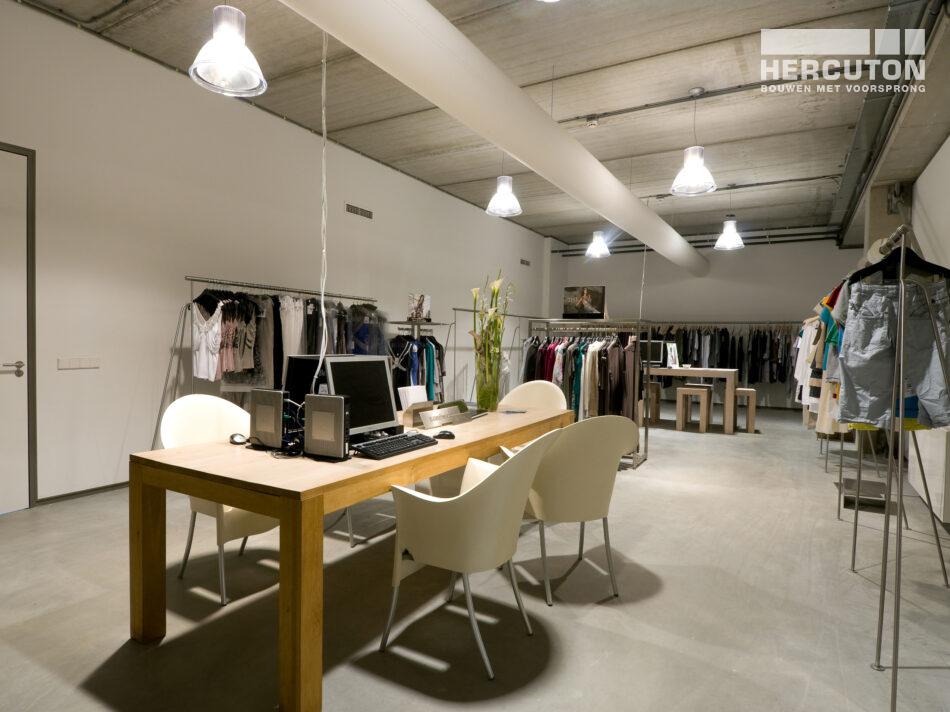 Kantoor met showroom Gouwelandelaan