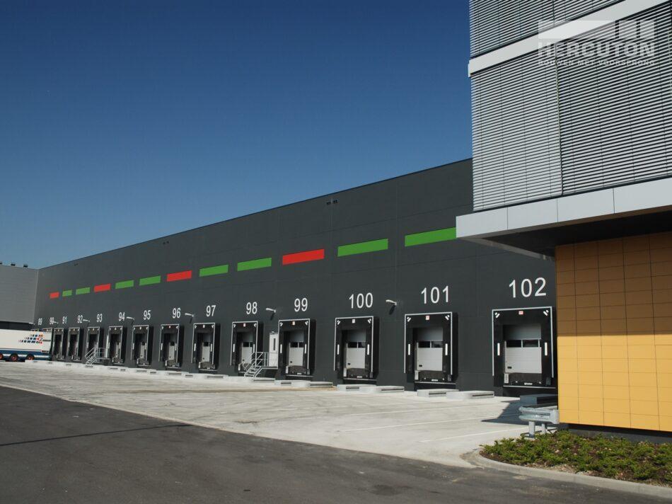 Hercuton realiseerde dit 59.000 m2 tellende verpakkings- en distributiecentrum voor Greenpack.