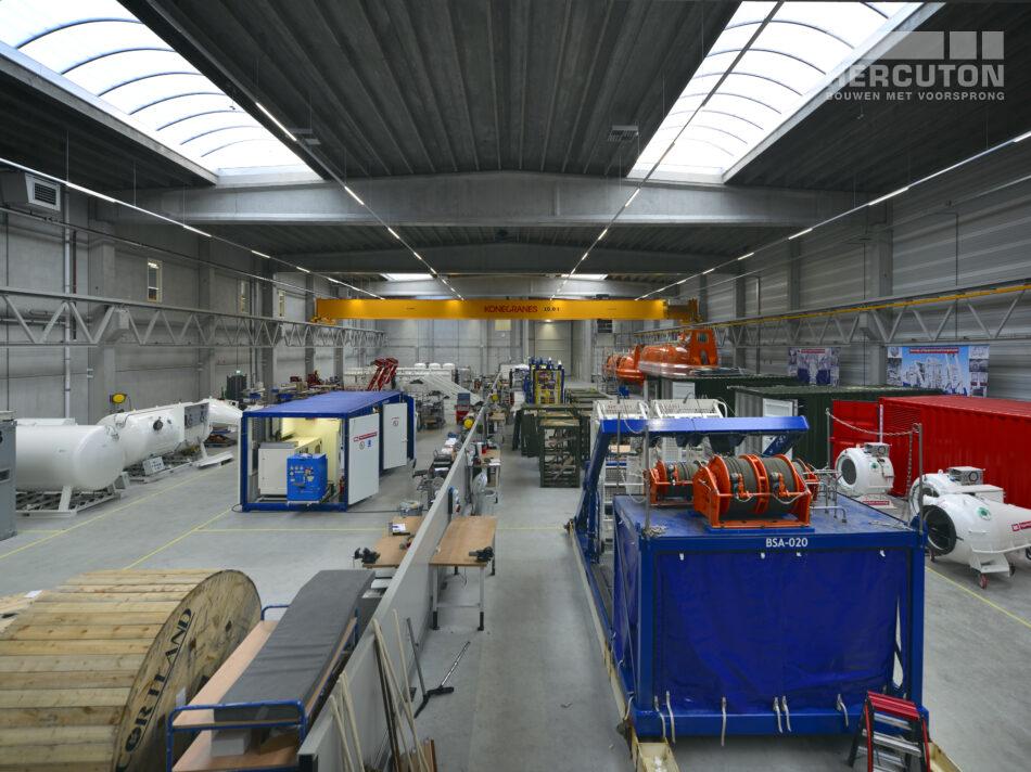 Nieuwbouw turn-key bedrijfshal met kantoor Louwman Groep / IHC Hytech Hercuton b.v. uit Nieuwkuijk