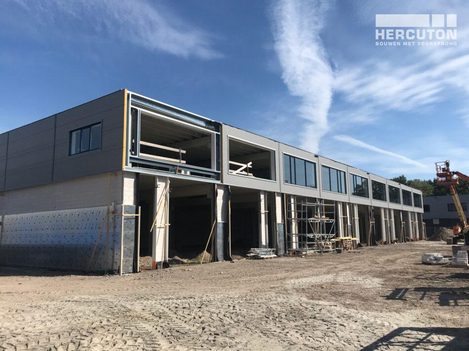 Bedrijfsverzamelgebouw Vennestraat, Lisse in aanbouw