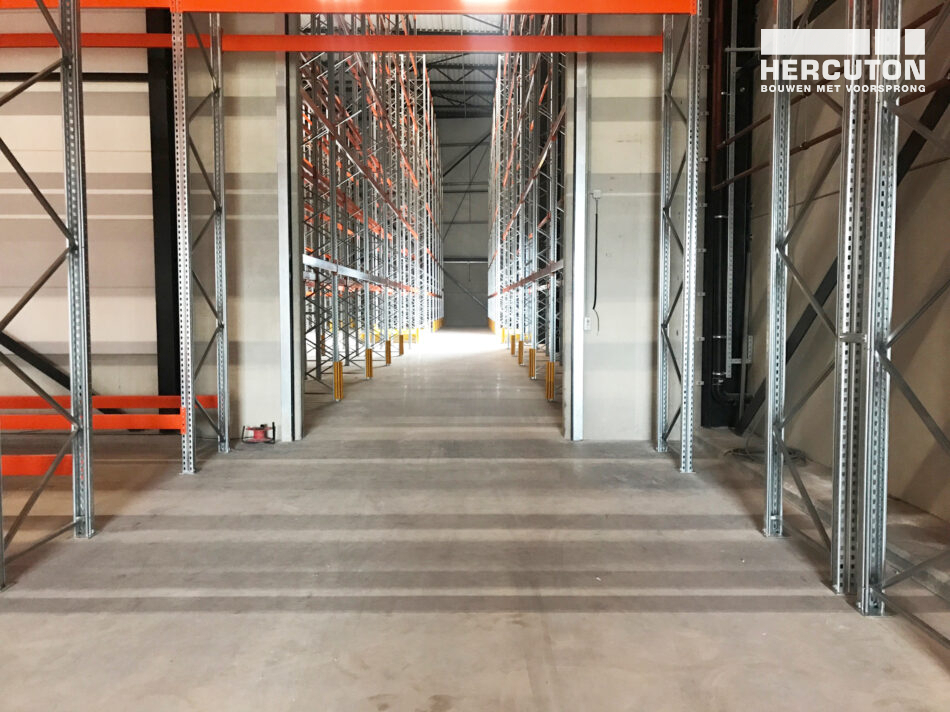 Oplevering nieuwbouw distributiecentrum De Smit Eekhoorn in Hoorn