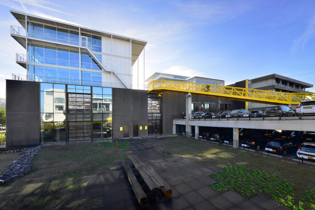 De door Hercuton turn-key gerealiseerde panden zijn opgedeeld in diverse multifunctionele ruimtes voor bedrijven uit de creatieve sector.