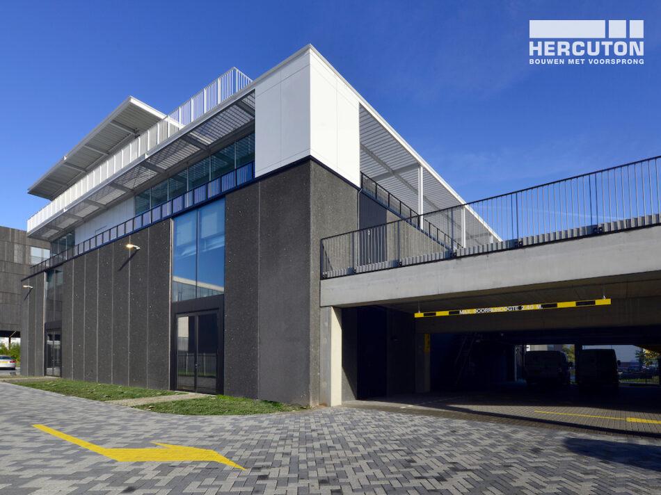 Hercuton heeft in opdracht van Imagewharf B.V. drie loft kantoren en een parkeergebouw in de Houthavens in Amsterdam gerealiseerd.