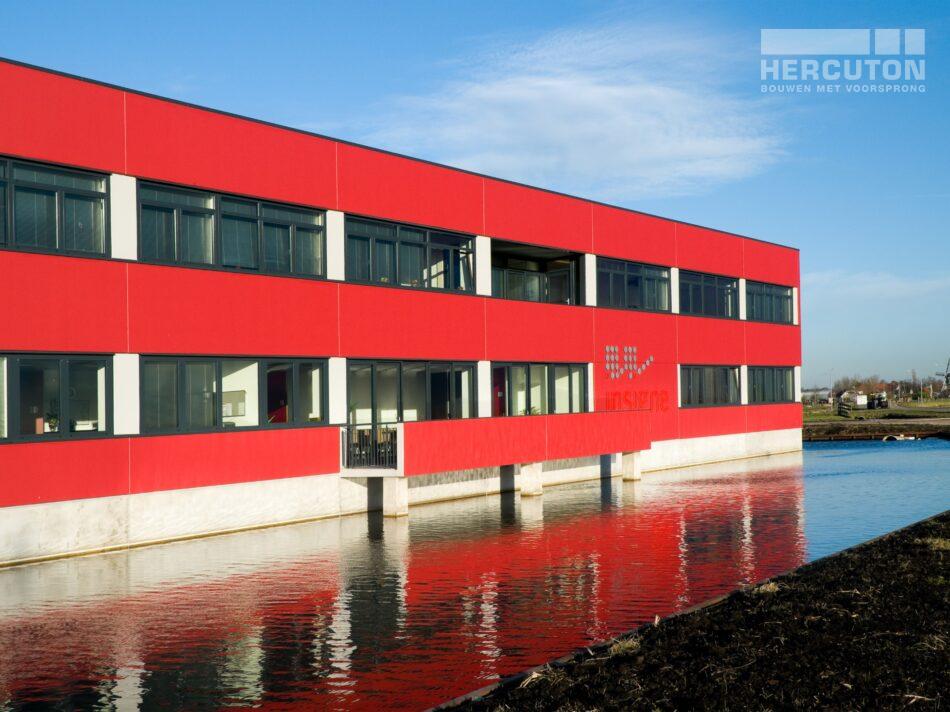 Hercuton heeft voor Insigne in Molenaarsgraaf een prachtige bedrijfsruimte met kantoor gerealiseerd. - zijgevel