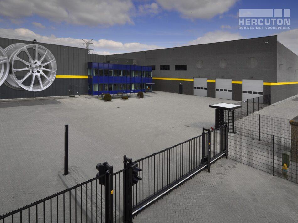 Ontwerp en realisatie van de opslaghal voor InterTyre in Moerdijk door Hercuton. - gevel