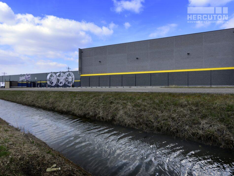 Ontwerp en realisatie van de opslaghal voor InterTyre in Moerdijk door Hercuton.