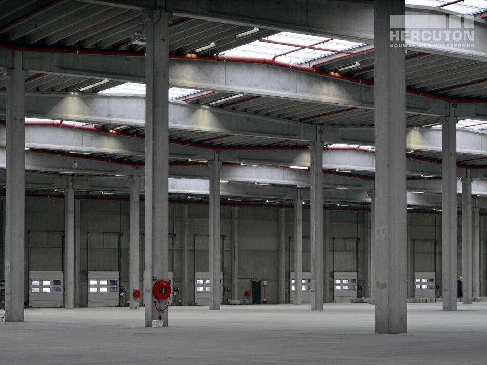 Hercuton heeft in Moerdijk meerdere gebouwen gerealiseerd voor Inter-Sprint. Dit keer ging het om twee bedrijfsruimtes met kantoor. - bedrijfsruimte