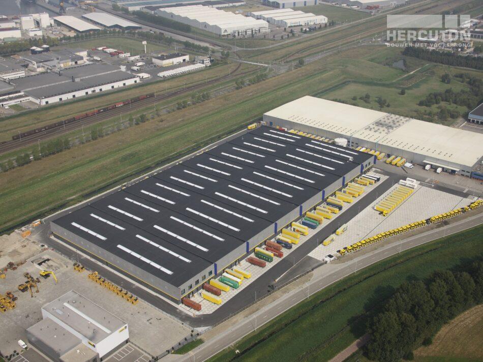 Hercuton realiseerde dit distributiecentrum voor Inter-Sprint Banden B.V. - luchtfoto