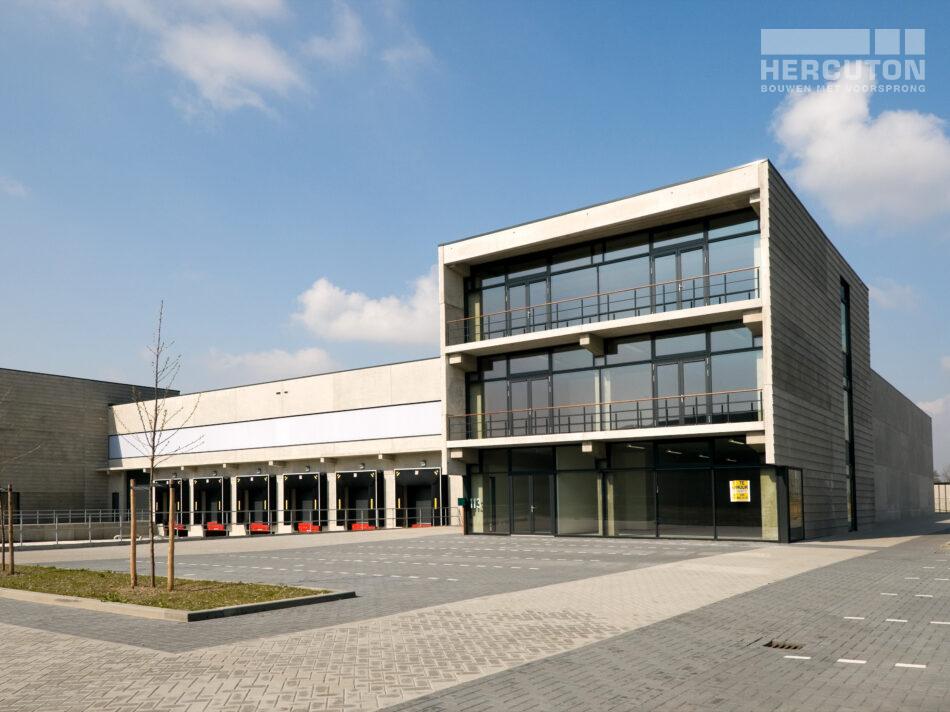 Bedrijfsruimtes met kantoren Kavel 4 & 5 Lutkemeer