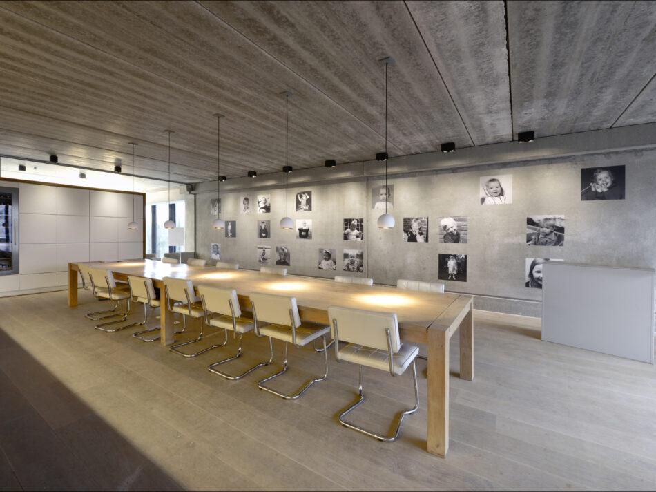 Nieuwbouw loft kantoor Keiretsu Europe in Rotterdam door Hercuton b.v.