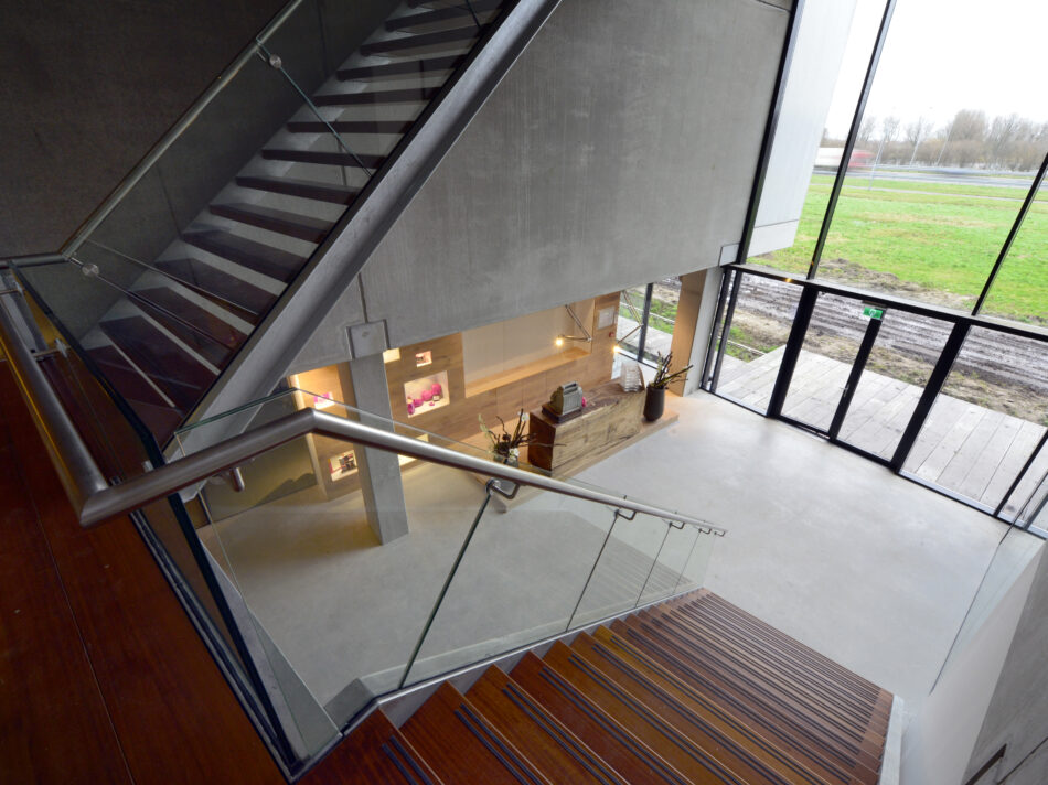 Nieuwbouw loft kantoor Keiretsu Europe in Rotterdam door Hercuton b.v. iuit Nieuwkuijk