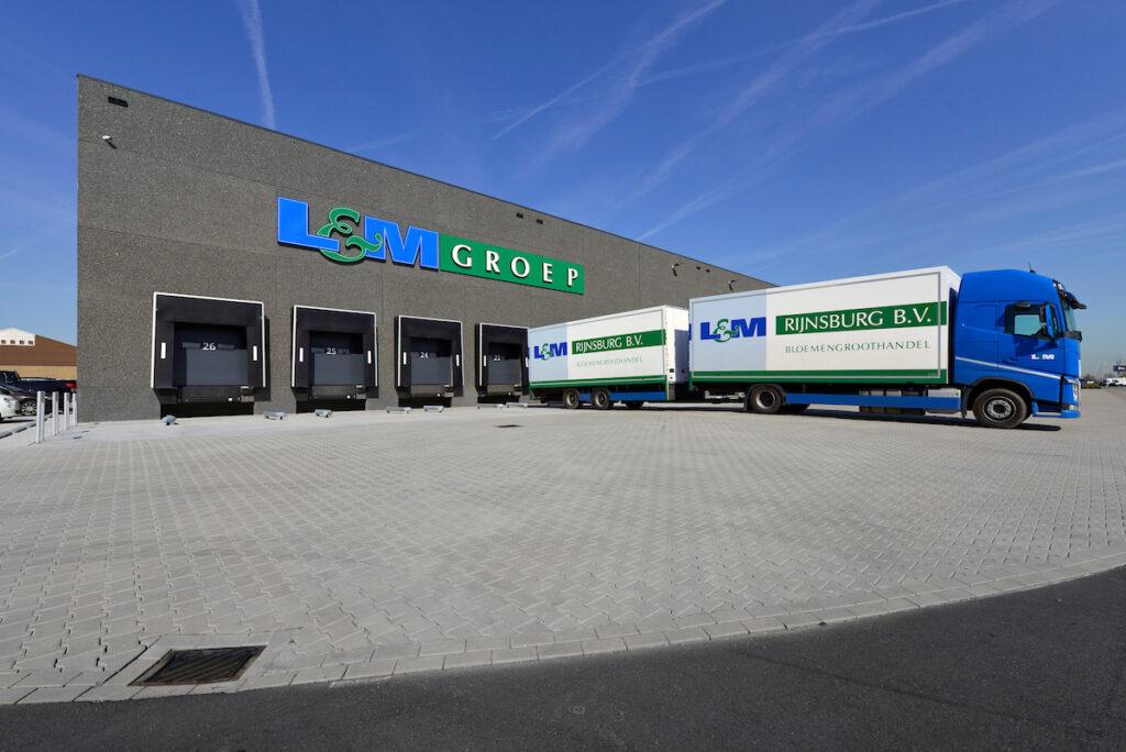 Nieuwbouw distributiecentrum met kantoor L&M Rijnsburg