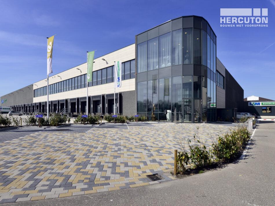 Kantoor met distributiecentrum L&M Rijnsburg gebouwd door Hercuton